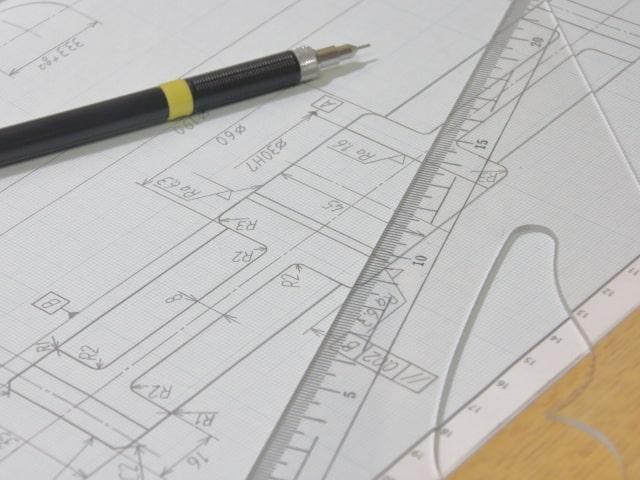 機械設計をしているイメージ