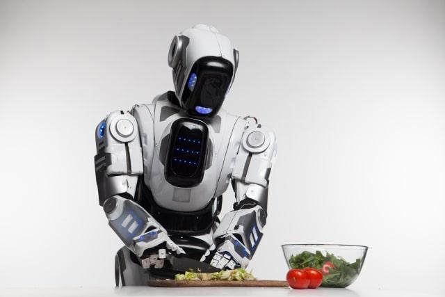 野菜を切るロボット