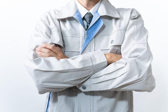 作業着を着た男性のイメージ